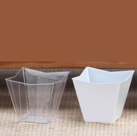 Package of 12 Clear Small Plastic Scoops for Wedding and Party Fêtes, occasions spéciales Autres Candy Scoop Set